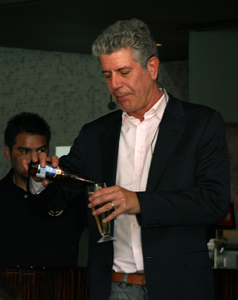 Anthony Bourdain preparing for press conference in Chile