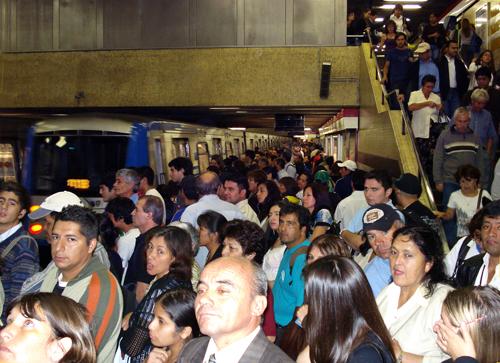 Santiago Metro at rush hour, Escuela Militar Station, April 2009