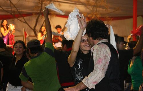 Las Niñas and Cueca Brava ©MSnookT 2009