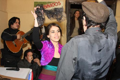 Araucaria and Dioscoro Rojas dancing cueca